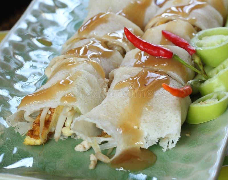 Alimento tradizionale cinese dei rotoli di primavera immagini stock libere da diritti