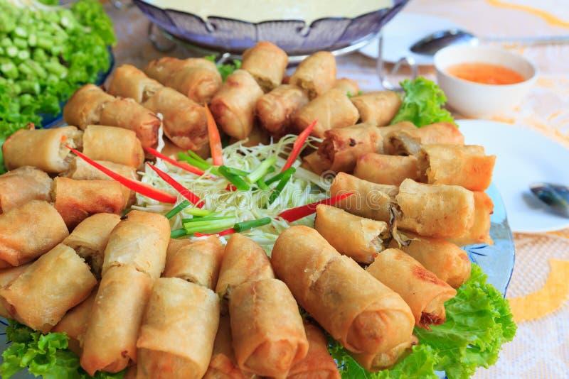 Alimento tradizionale cinese fritto dei rulli di sorgente fotografia stock libera da diritti