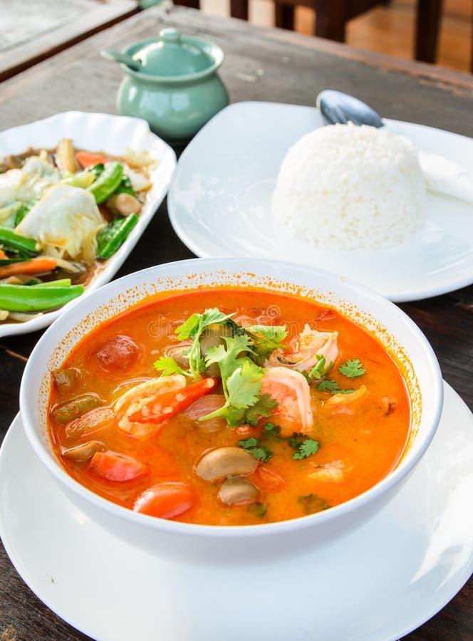 Alimento tradizionale tailandese (Tom Yum Goong) immagini stock