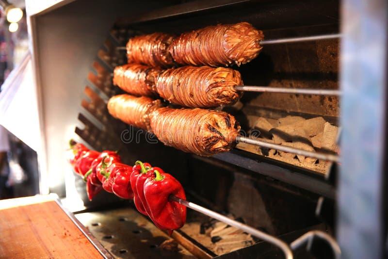 Alimento turco delicioso em Istambul Kokorec imagens de stock royalty free