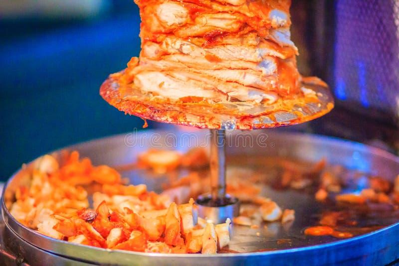 Alimento turco tradizionale, kebab di Doner nel ristorante Figli immagine stock libera da diritti