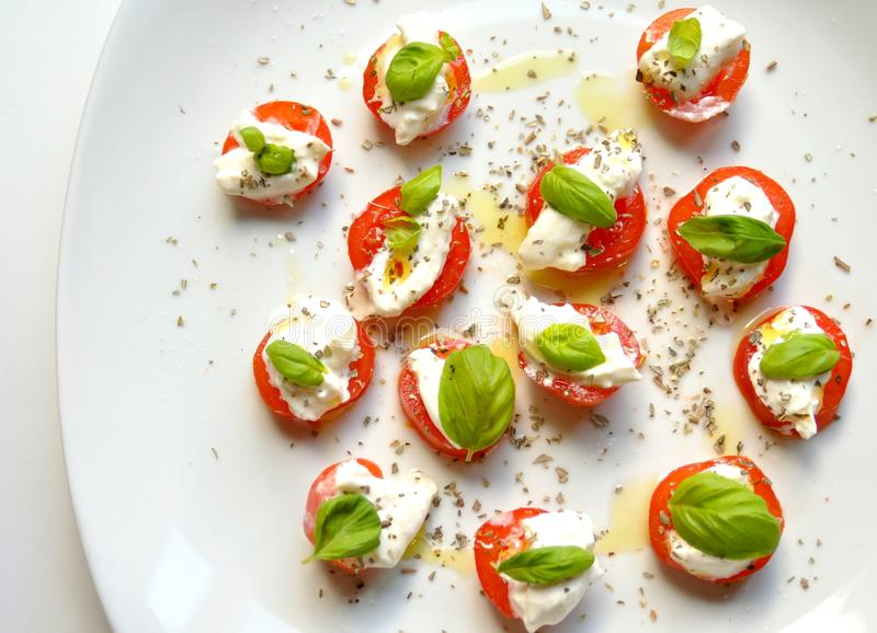 Alimento vegetariano italiano: insalata caprese immagini stock libere da diritti