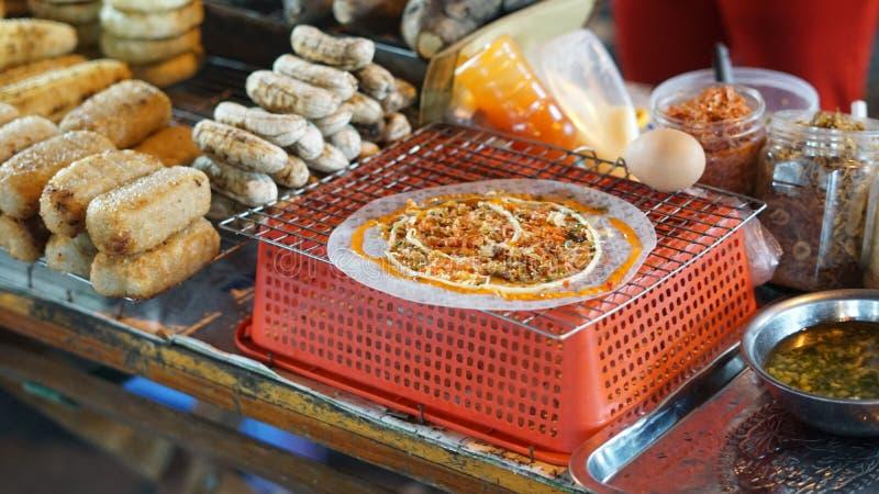 Alimento vietnamiano da rua no mercado da noite de Phu Quoc imagem de stock royalty free