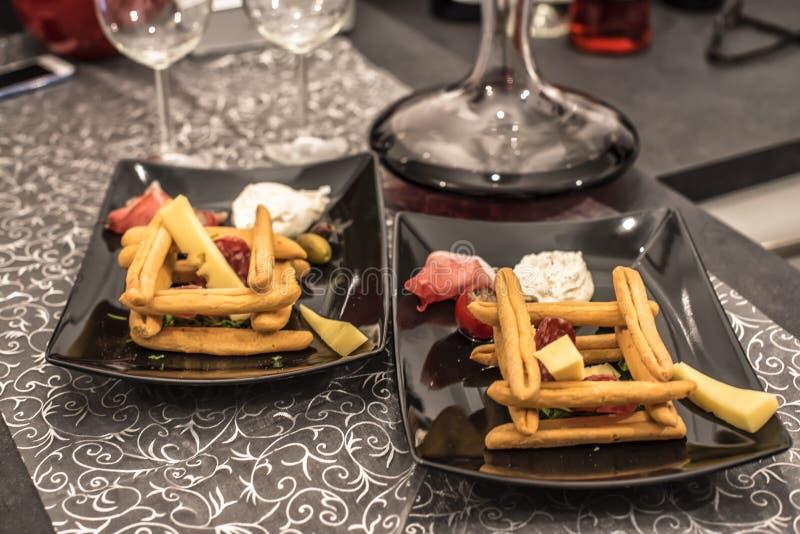 Alimento y vino italianos imágenes de archivo libres de regalías