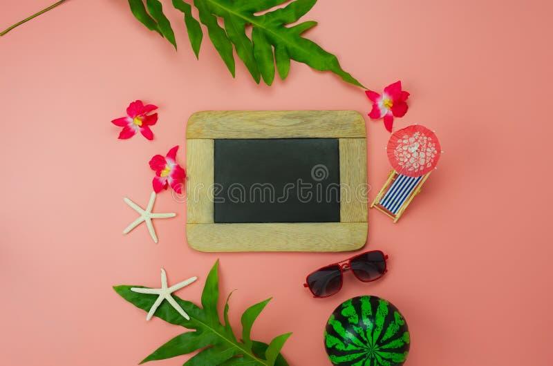 Alimentos da opinião de tampo da mesa do conceito do fundo das férias de verão & das férias do curso imagens de stock