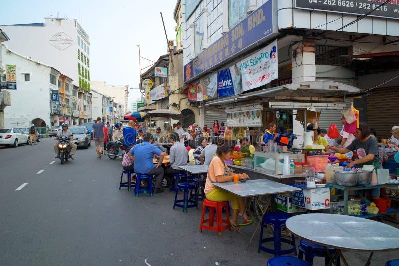 Alimentos de uma rua dos vendedores ambulantes em Georgetown, Malásia fotos de stock royalty free
