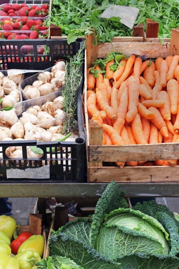 Alimentos frescos no mercado fotos de stock