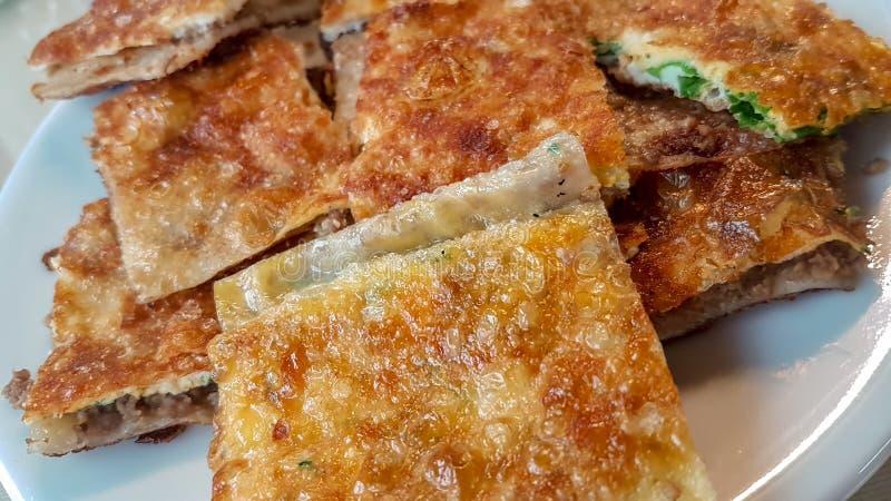 Alimentos turcos tradicionais; Petisco turco da pastelaria; Katmer foto de stock royalty free