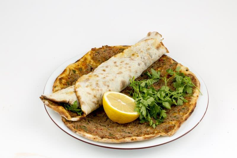 Alimentos turcos tradicionais, pizza deliciosa turca; Lahmacun imagens de stock royalty free
