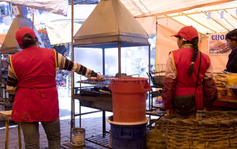 Aliments de préparation rapide de rue traditionnelle en Bolivie image libre de droits