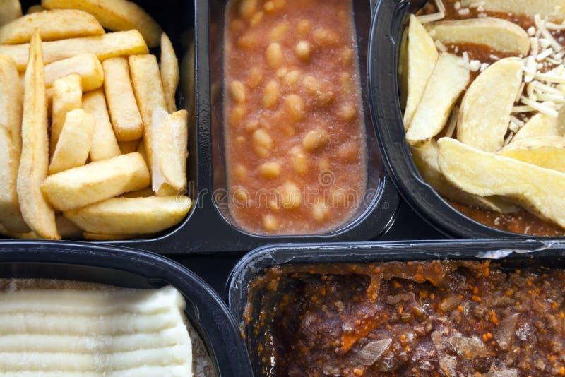 Aliments prêts à cuisiner et surgelés Microwavable, dans des boîtes en plastique images libres de droits