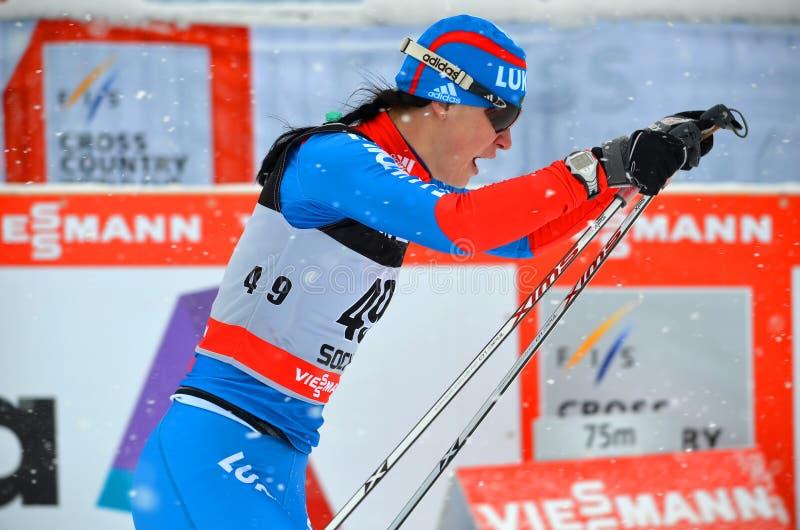 Alisa Zhabmalova concurrence dans la coupe du monde transnationale de FIS photos stock