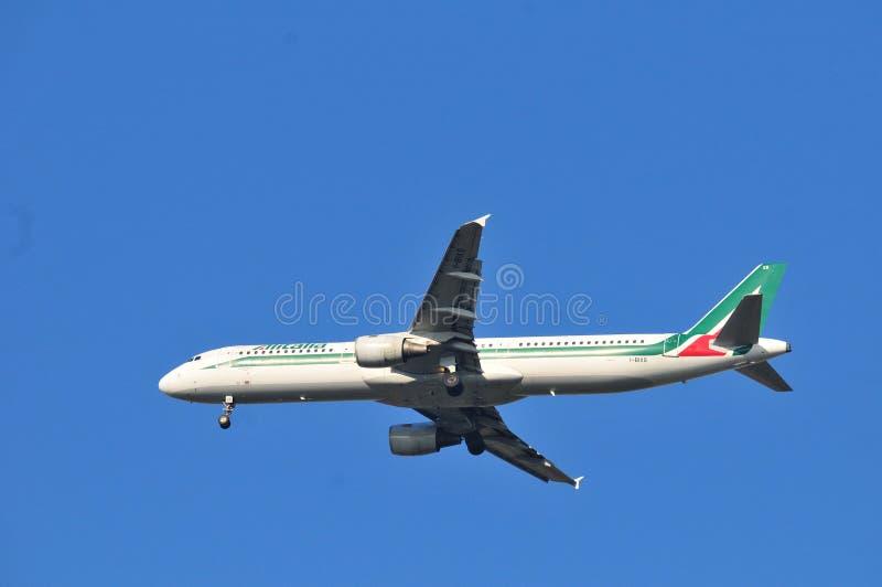 Alitalia linii lotniczej samolot obraz royalty free