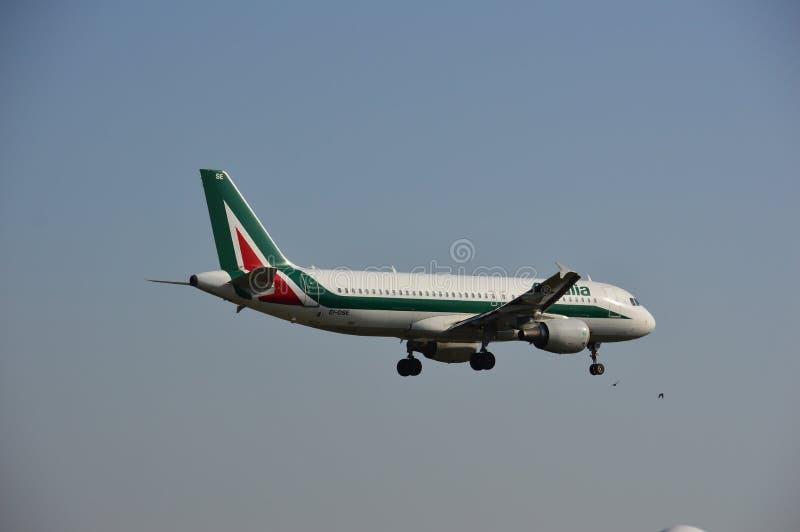 Alitalia linii lotniczej samolot fotografia royalty free