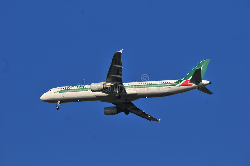 Alitalia linii lotniczej samolot obrazy royalty free