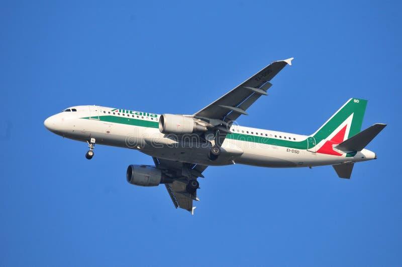 Alitalia linii lotniczej samolot zdjęcie stock