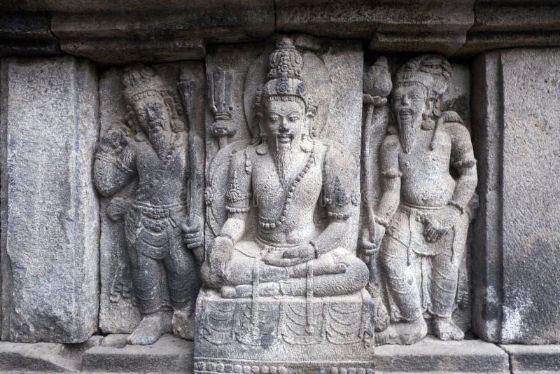 Alivio de Bas en el templo de Brahma, templo de Prambanan, ubicación en Yogyakarta, Indonesia imágenes de archivo libres de regalías