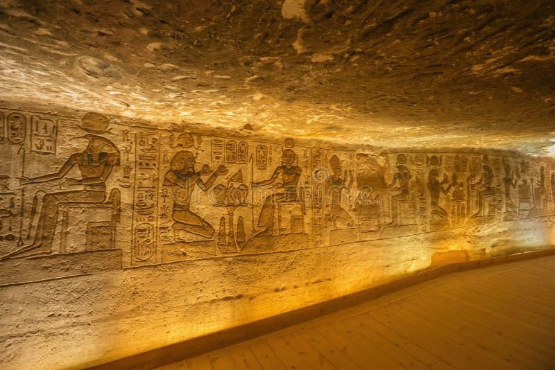 Alivio de Bas de Ramesses II, de Toth y de Horus imágenes de archivo libres de regalías