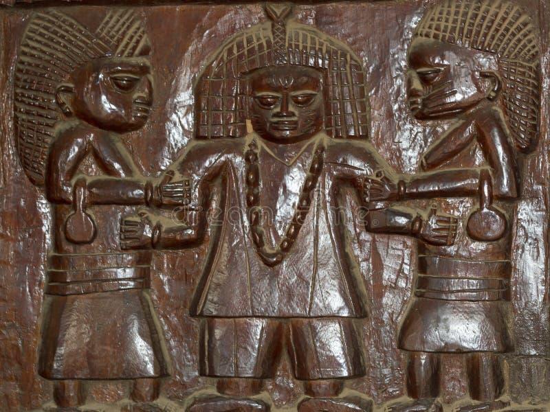 Alivio de madera africano que talla yoruba fotos de archivo