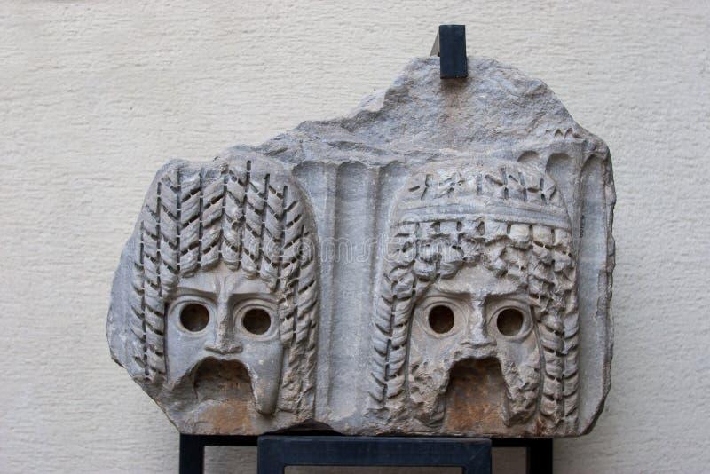 Alivio de piedra del teatro, máscara, museo arqueológico de Antalya Turke fotos de archivo libres de regalías