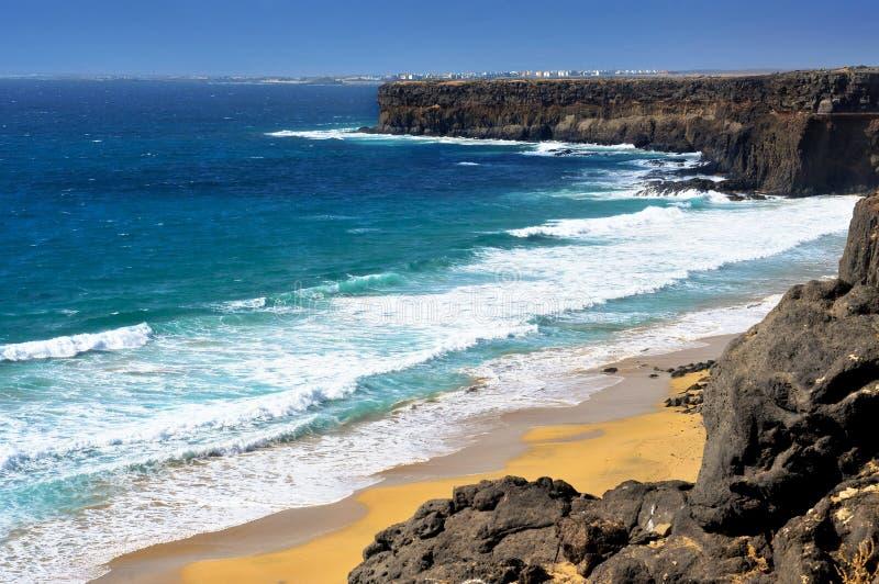 Aljibe de la Cueva Sätta på land i Fuerteventura, Spanien royaltyfria foton