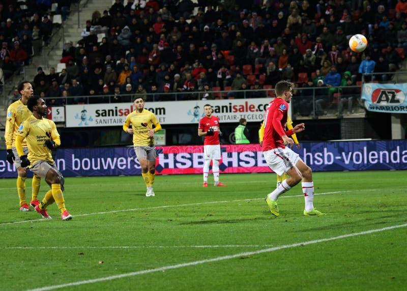 ALKMAAR, NEDERLAND, 15 DECEMBER de Voetbalster Guus Til van 2018 van AZ stock afbeelding