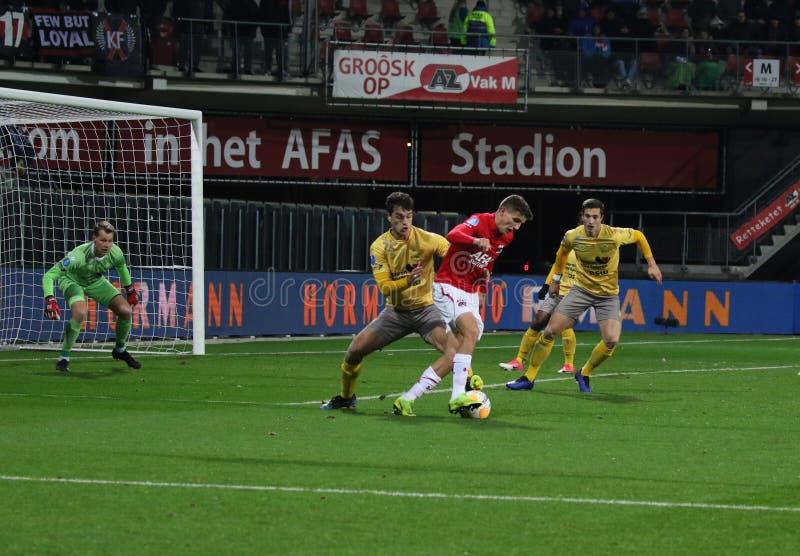 ALKMAAR, NEDERLAND, 15 DECEMBER de Voetbalster Guus Til van 2018 van AZ stock fotografie