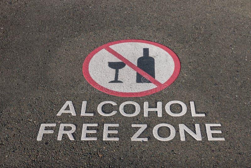 Alkohol wolnej strefy znak na bruku zdjęcie stock