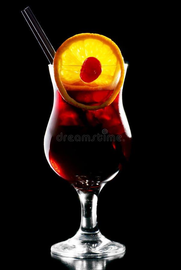 AlkoholcoctailBacadri svartvinbärsläsk fotografering för bildbyråer