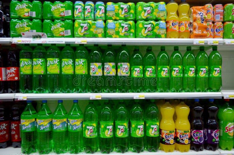 Alkoholfreie Getränke für Verkauf lizenzfreie stockfotos