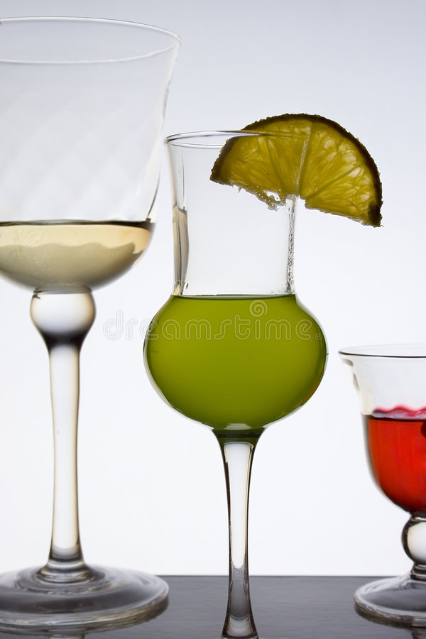 Alkoholgläser lizenzfreie stockfotografie