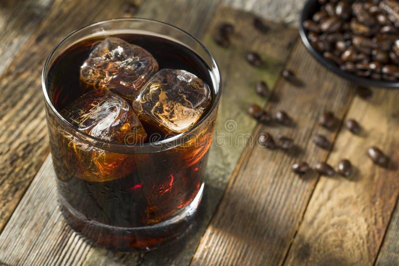 Alkoholiczny Pijacki Czarny Rosyjski koktajl fotografia stock