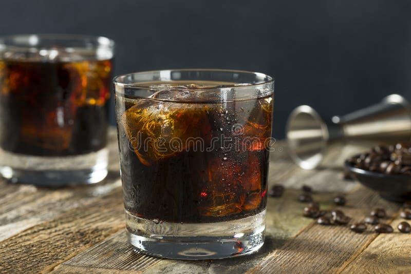 Alkoholiczny Pijacki Czarny Rosyjski koktajl zdjęcia stock