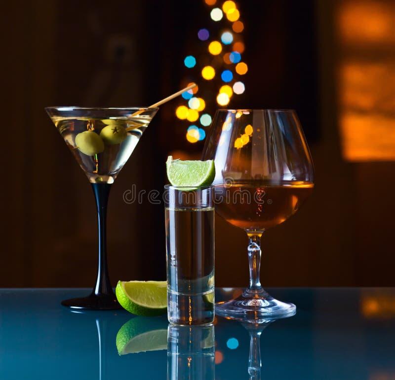 Alkoholiserada drinkar arkivbilder