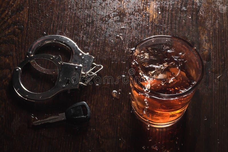 Alkoholtangenthandbojor arkivfoto
