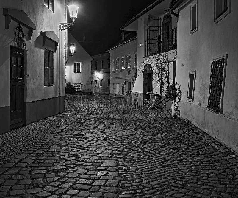 Allée étroite à Prague photos libres de droits