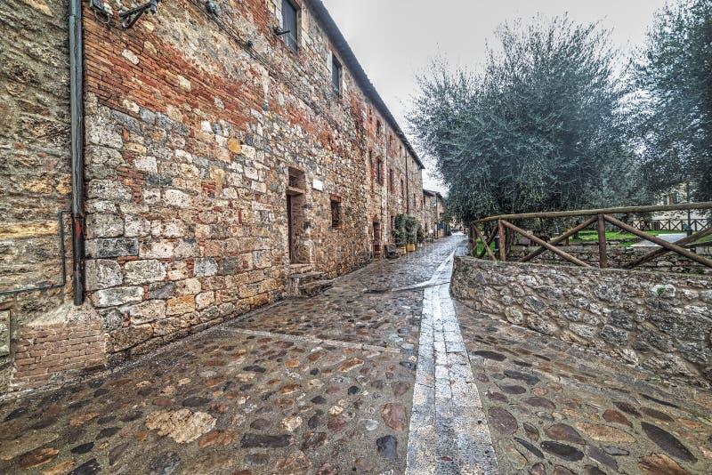 Allée dans Monteriggioni photo libre de droits