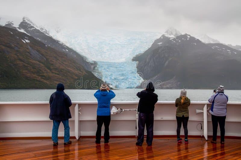 Allée de glacier, la Manche de briquet, Chili photos stock