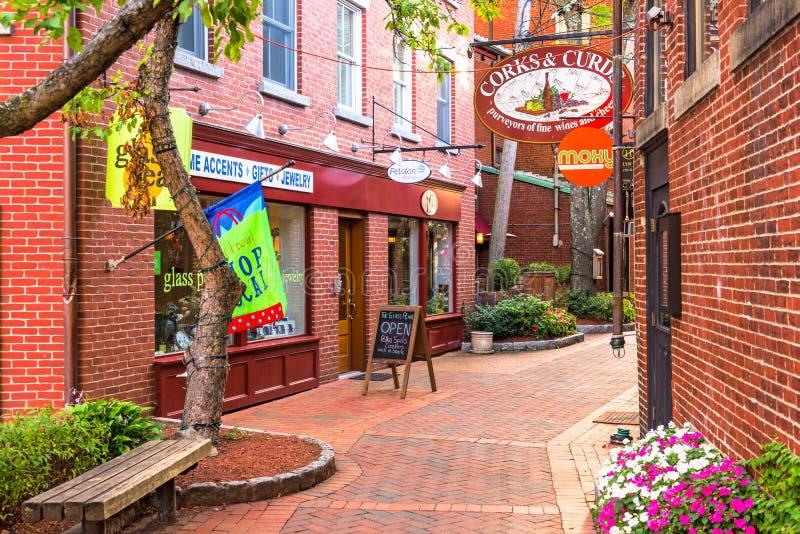 Allée et boutiques de Portsmouth New Hampshire images libres de droits