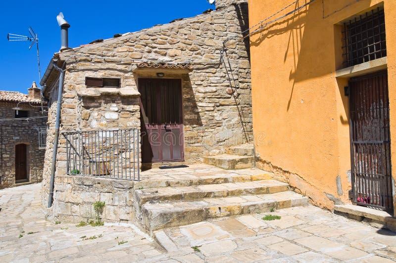 allée Guardia Perticara Basilicate l'Italie photographie stock libre de droits