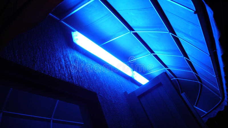 Allée légère bleue photo libre de droits