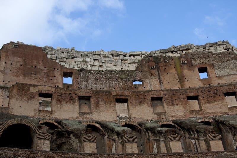All'interno del colosseum a Roma immagine stock