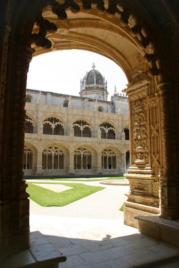 All'interno del monastero di Jeronimos fotografie stock