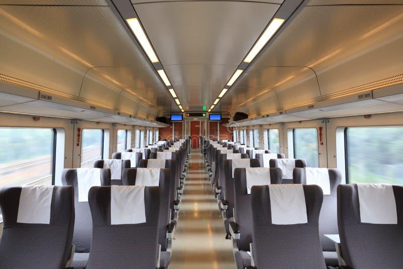 All'interno dello scompartimento del treno immagine stock