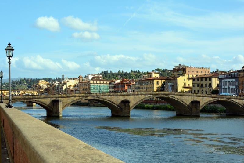 Alla Carraia di Ponte Firenze - in Italia fotografia stock libera da diritti