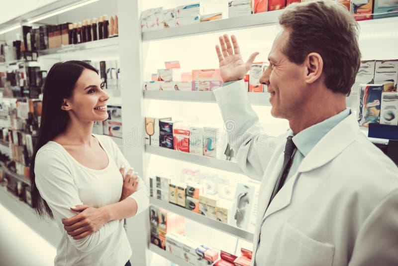 Alla farmacia immagini stock