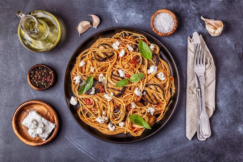 Alla Norma da massa - alimento italiano tradicional imagens de stock