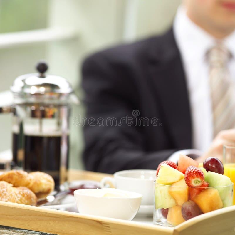 Alla prima colazione fotografie stock libere da diritti