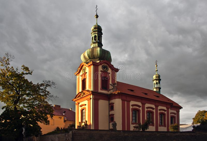 Alla saints-kyrkan i Europa royaltyfri bild