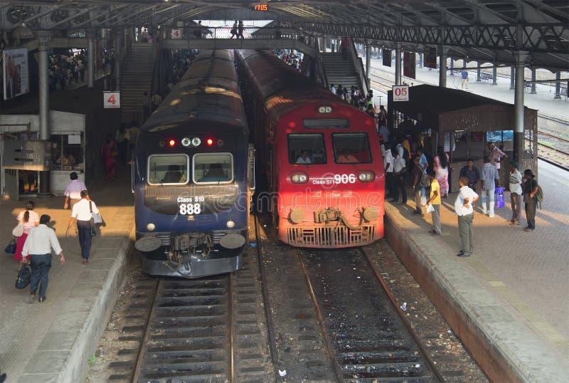 Alla stazione ferroviaria a Colombo La Sri Lanka fotografia stock libera da diritti